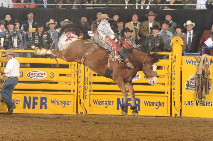 Working out and being physically fit has helped Kaycee Feild win the last three bareback riding gold buckles. --PRCA ProRodeo photo by Greg Westfall)
