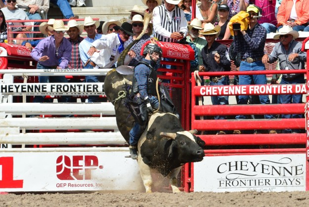 A check for $4,308 at the Cheyenne (Wyo.) Frontier Days helped Sage Kimzey cross the $100,000 mark in season earnings.  --Photo courtesy of Fred McClanahan Jr.